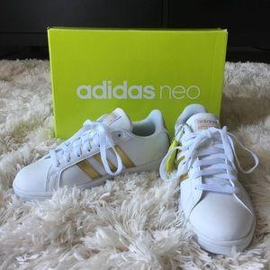 Adidas zapatos blanco y oro cloudfoam zapatilla tamaño 5 poshmark